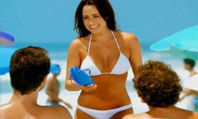 Fernanda Vasconcellos sem umbigo em anuncio da Havaianas