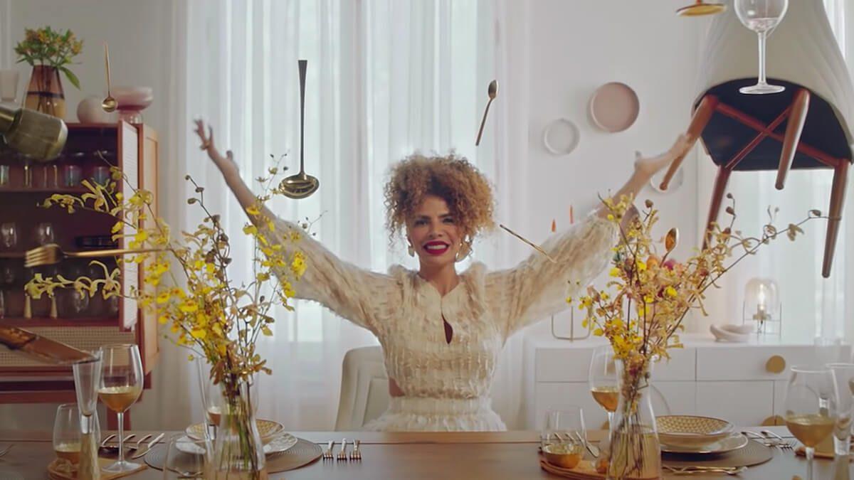 Vanessa da Mata clip-commerce
