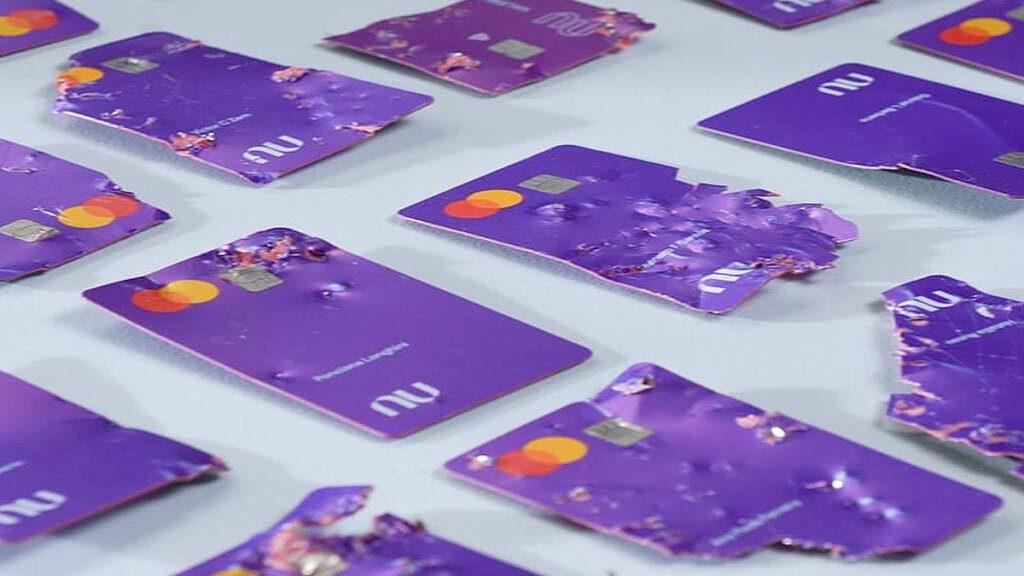 cartões nubank mordidos